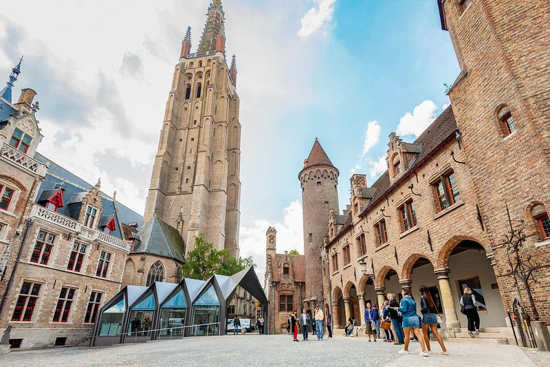 the renovated Gruuthuse palace and Church of Our Lady (Musea Brugge)